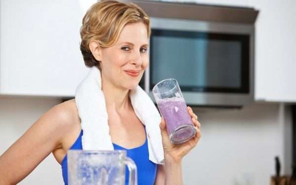 8 Tips & 2 Great Recovery Smoothie Recipes for After a Workout or Run