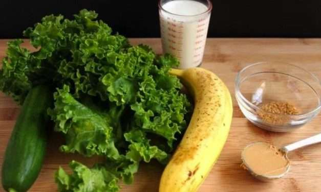 [RECIPE] Ultimate Peanut Butter & Banana Green Smoothie