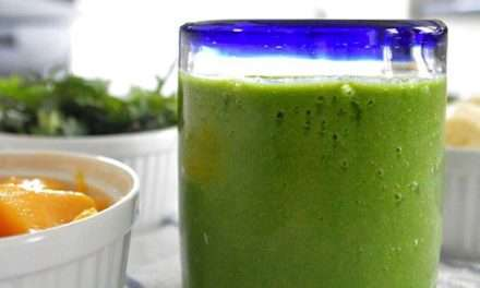 [RECIPE]  Rise and Shine Creamy Tropical Green Smoothie