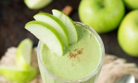 [RECIPE] Caroline's Healthy Secrets Apple Green Smoothie