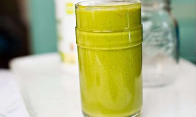 [RECIPE]  Healthy Sweet Temptation – Green Frosty Smoothie