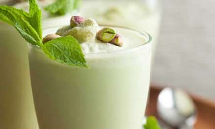[Recipe] Summer Mint Coconut Pistachio Smoothie
