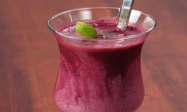 [Recipe] The Red Yellow and White Smoothie that's Really a Green Smoothie