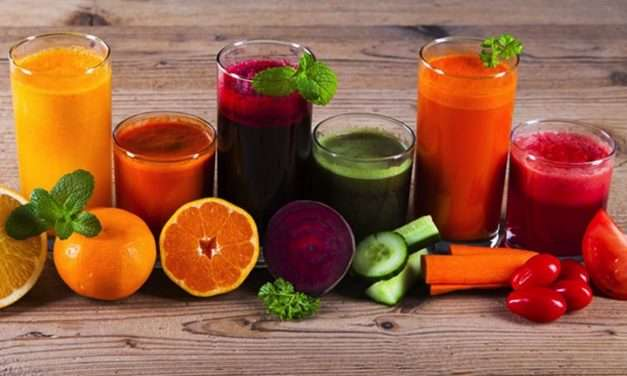 Warning! 'Middle-Age Health Crisis' – Smoothies to the Rescue!