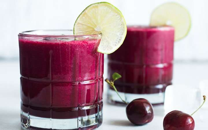 [Recipe] Cherry Coconut Lime Smoothie for Under 200 Calories