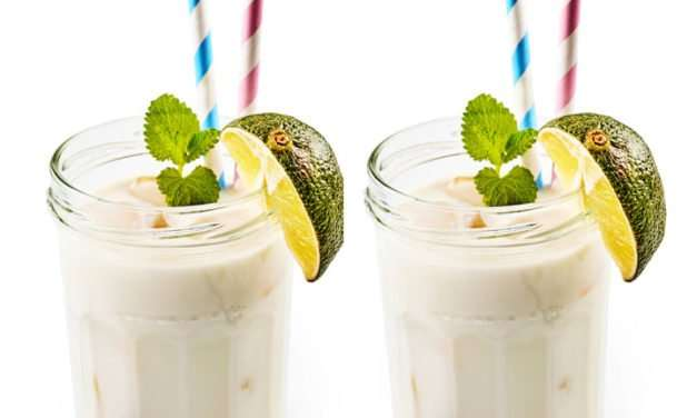 [Recipe] Coconut Rum Smoothie for a Long Summer Evening